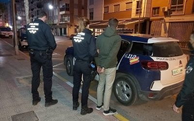 La Policía Local de Caravaca detiene a dos personas de nacionalidad belga en los controles rutinarios de pedanías con más de 10 kilos de Cannabis Sativa